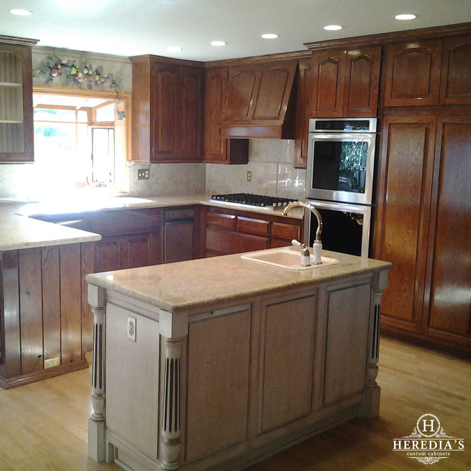Custom Kitchen Cabinet Makers: Custom Kitchen Cabinet Ideas