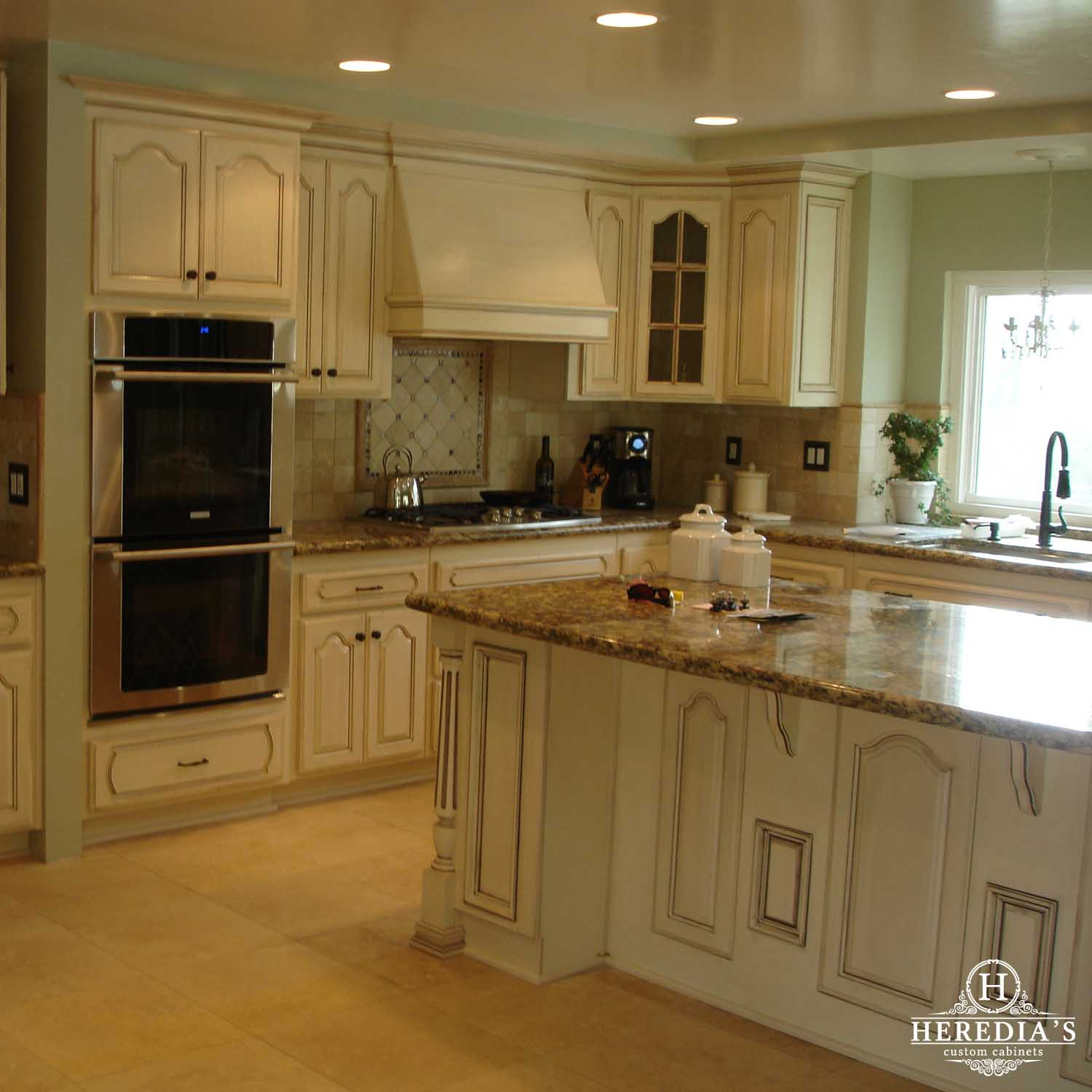 Kitchen cabinets projects custom kitchen cabinet ideas for Custom kitchen cabinet designs